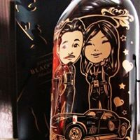 酒之戀-客製化手繪人像酒瓶雕刻